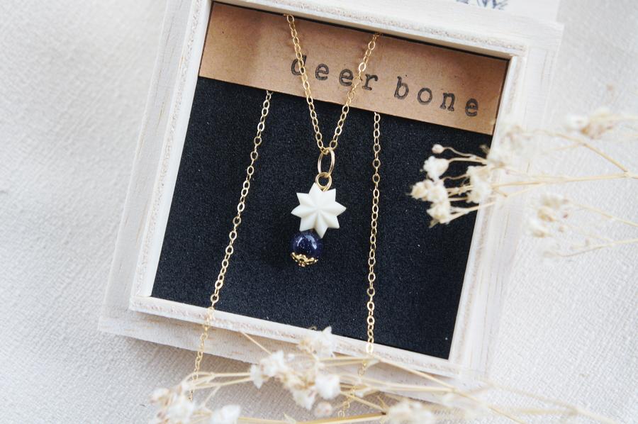 「星空の石」星のネックレス