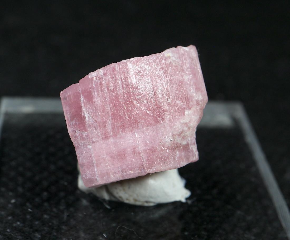 自主採掘! ピンクトルマリン カリフォルニア産 3,7g T127 鉱物 天然石 原石 パワーストーン