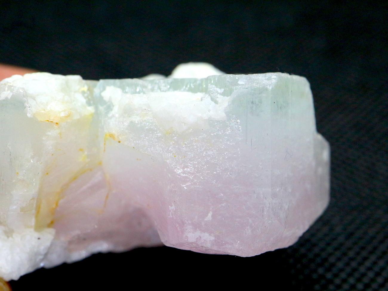 希少!ケース入り モルガナイト アクアマリン バイカラー 原石 天然 非加熱 モルガン石  AQ060