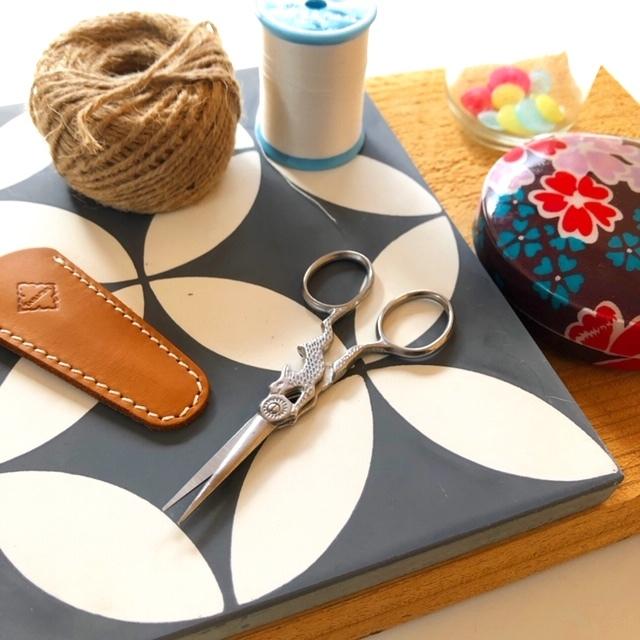 design scissors rabbit/silver はさみ