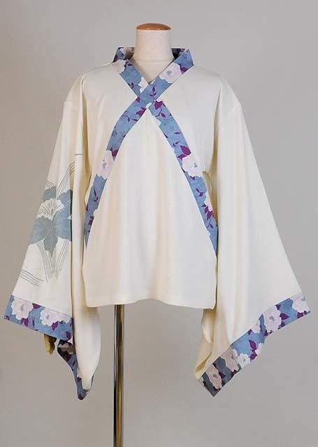 gouk 前が交差した着物襟で水仙のプリントが入った振袖の薄手ニット GGD27-T009 WH/M