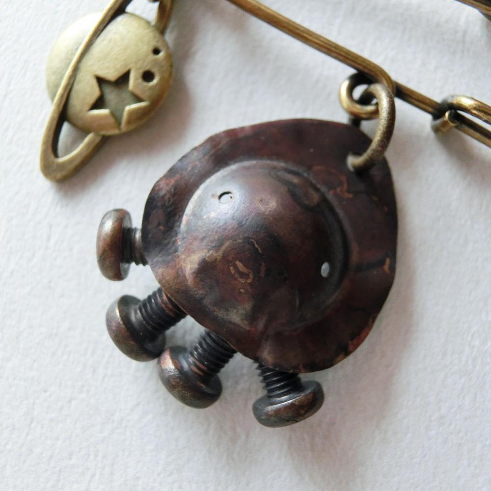 【宇宙人】f  真鍮 ブローチ #1121