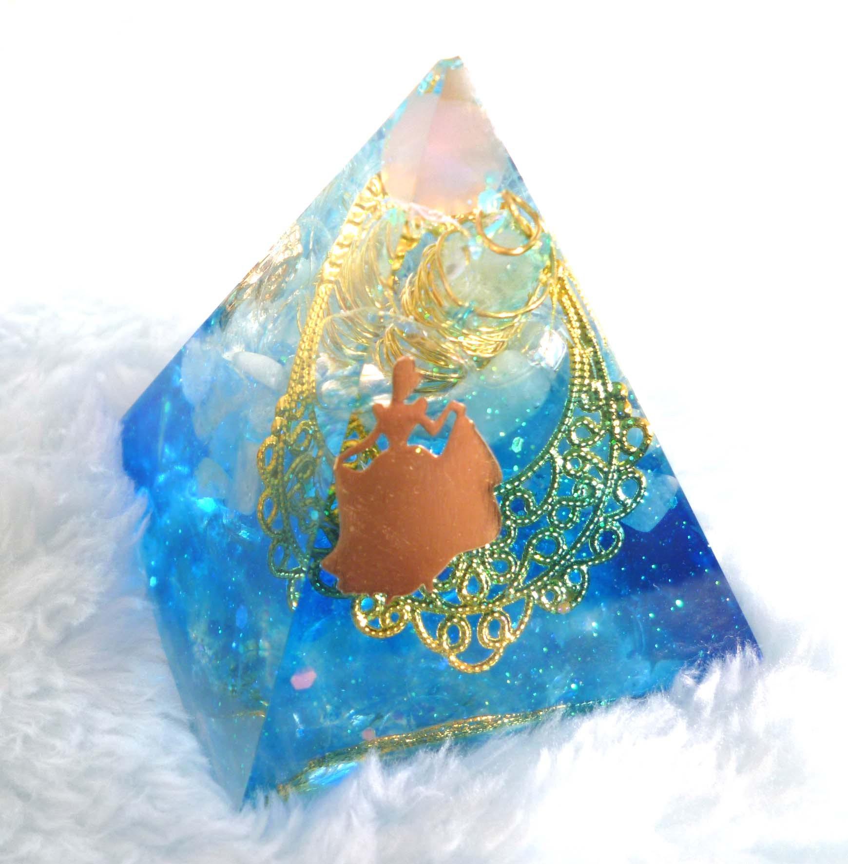 シンデレラ・ブルー ピラミッド型Sオルゴナイト