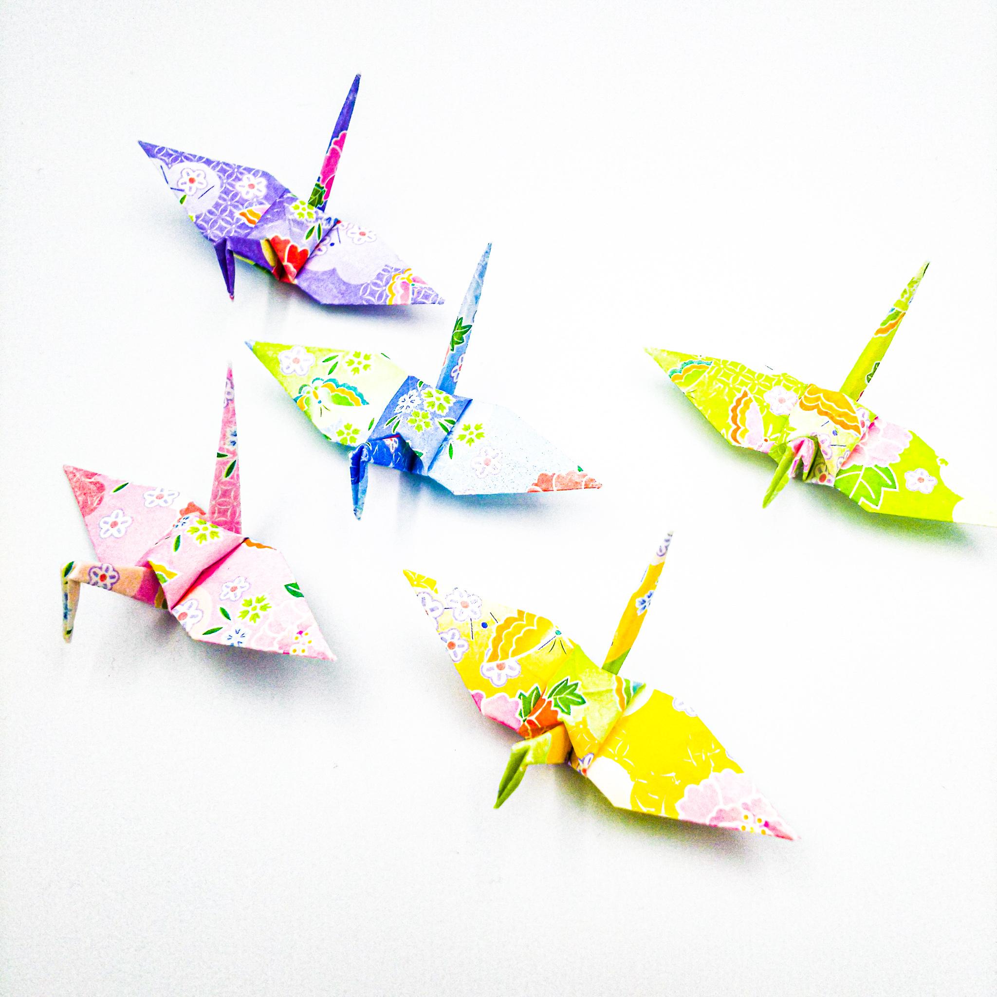 柔らかな陽のもとで。ふんわりパステルの折り鶴(神前式、和装婚折り鶴シャワー演出・和風撮影小物)100羽入り