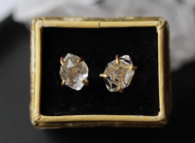 原石ダイヤモンドクォーツのピアス