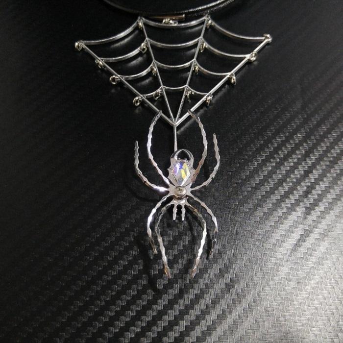 【蜘蛛ネックレス】 大きめサイズ / プレゼントとしてもおしゃれ
