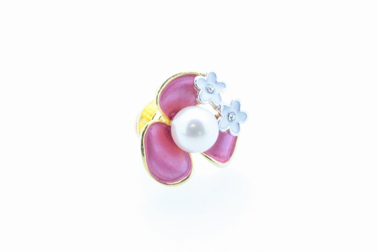 アコヤ真珠 ピンブローチ〈カラーフラワー〉ピンク