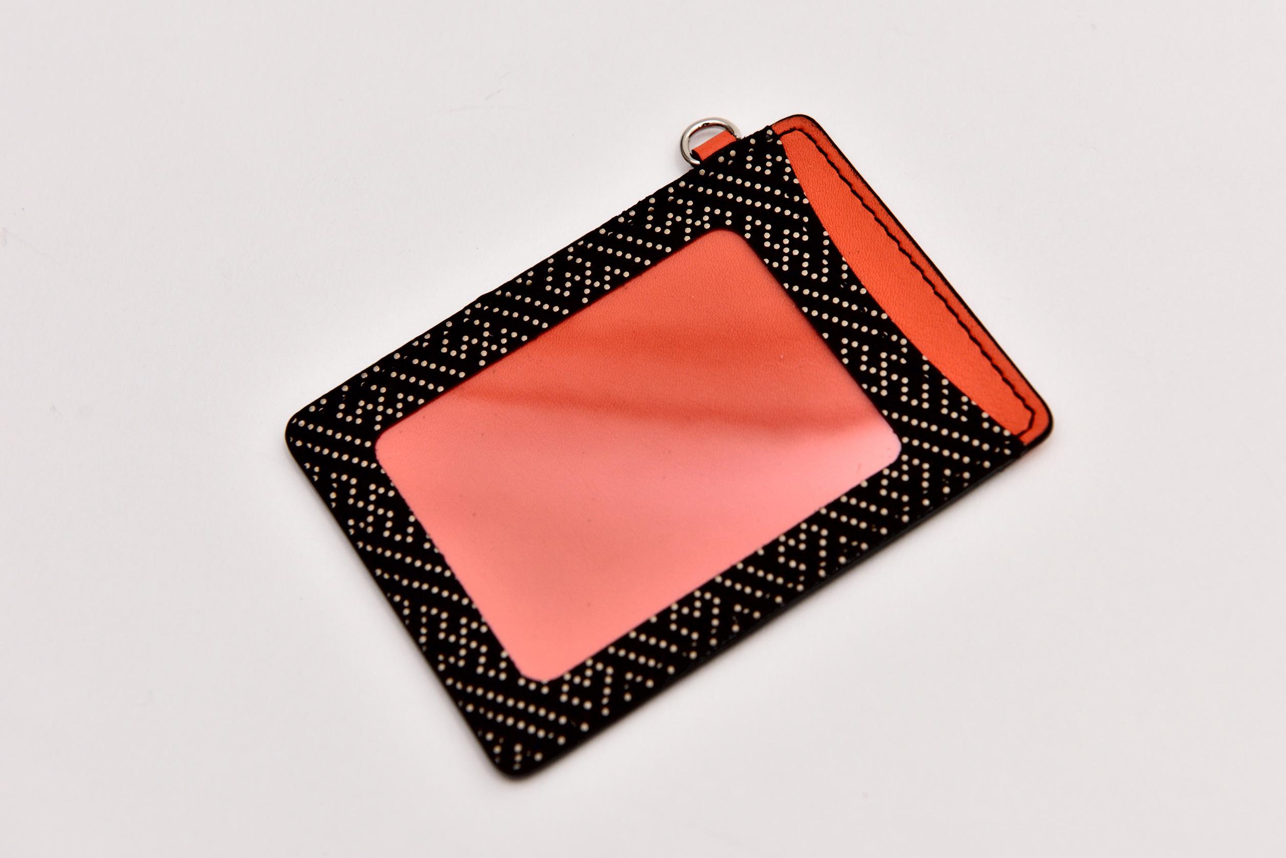 印伝パスケース 紗綾型×スイフトレザー(オレンジ)