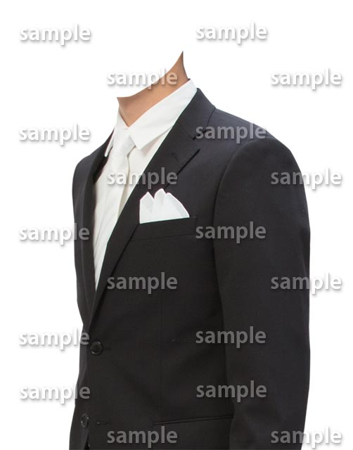 男性黒スーツ白ネクタイ斜め