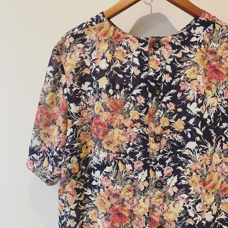 vintage flower design tops