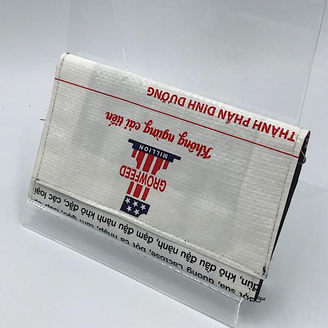 かわいいビニール製財布
