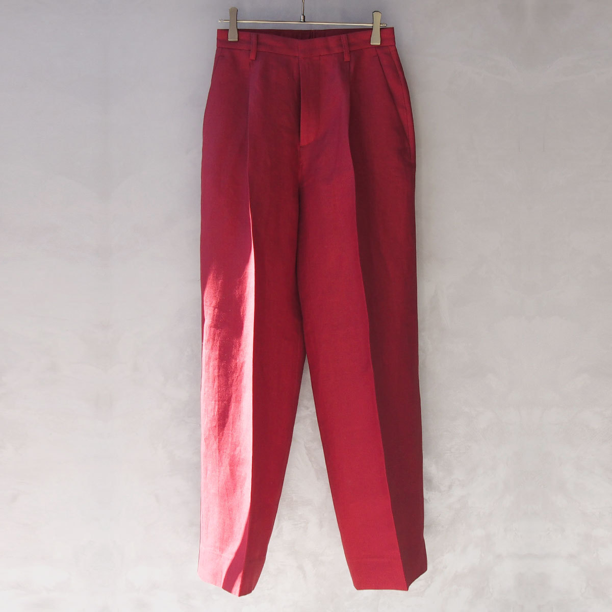 AURALEE LINEN GABARDINE WIDE SLACKS RED