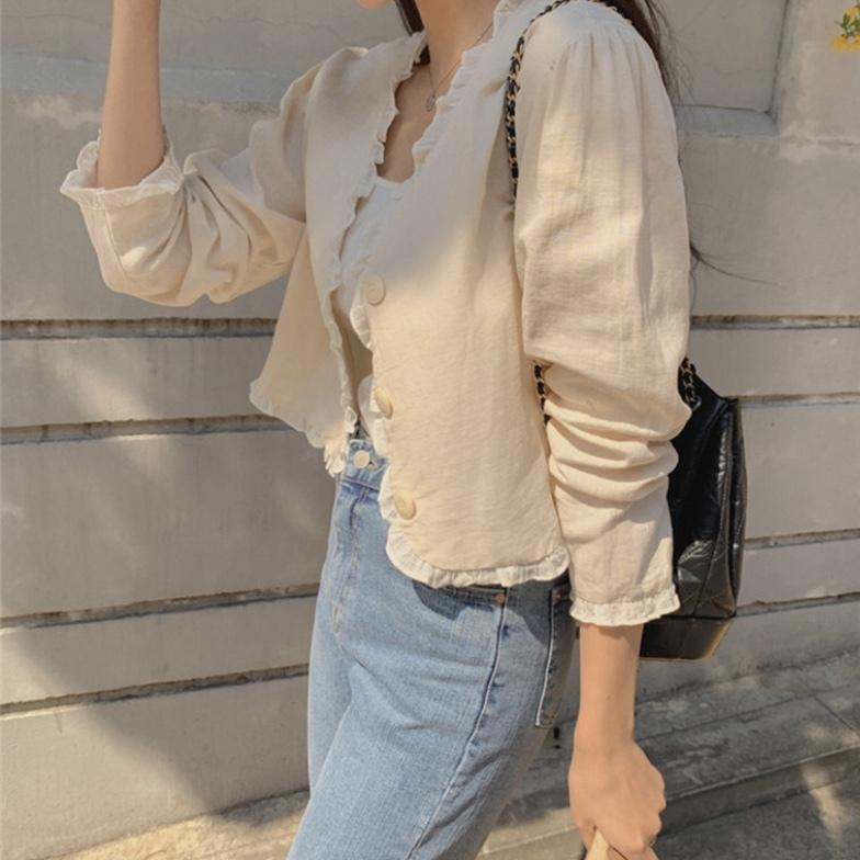《 秋の韓国ファッション 》淡色系女子必見✶ 韓国女子にも人気の、今の時期大活躍のアイテムとは!