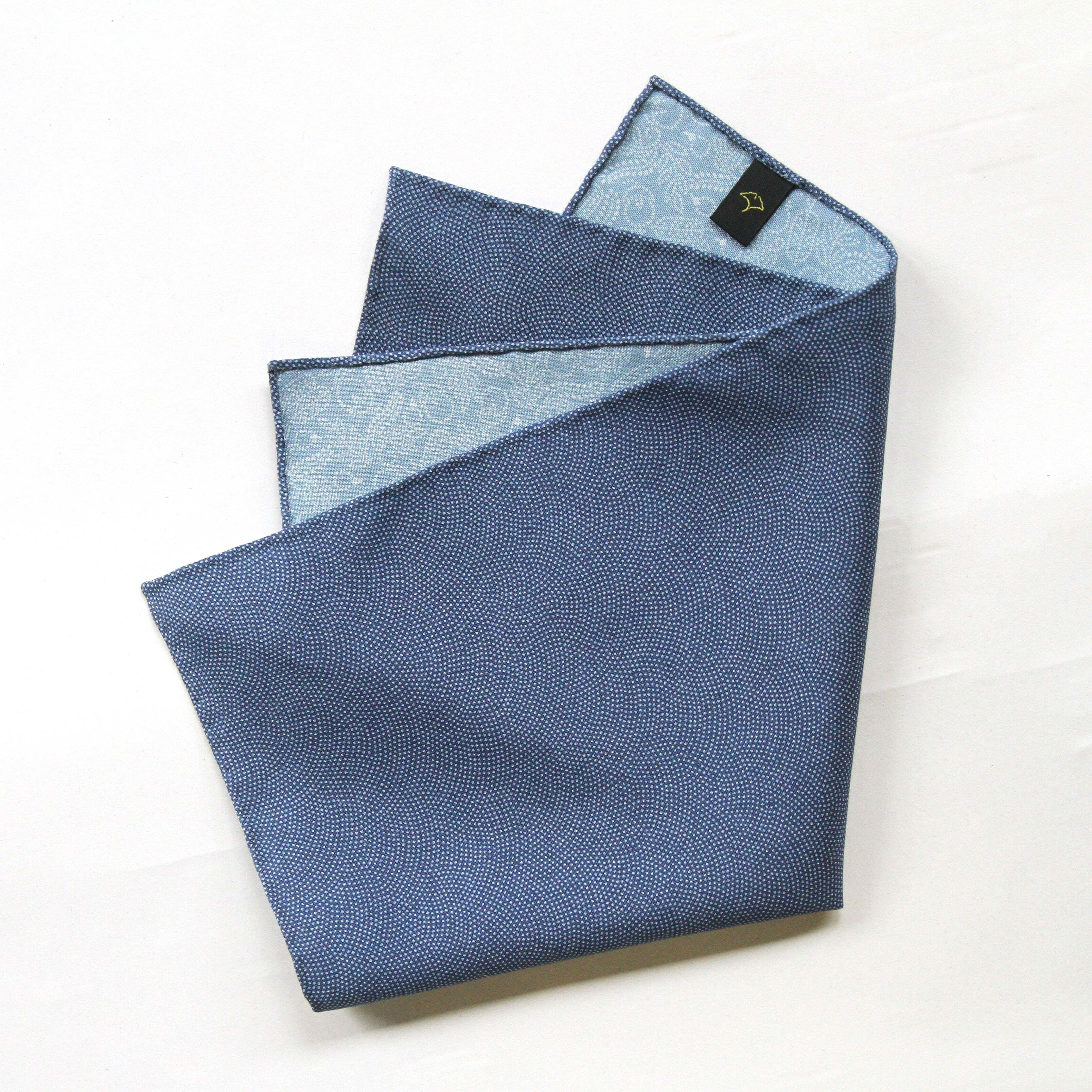 ポケットチーフ〈 鮫と一富士二鷹三茄子・瑠璃紺色と薄水色 〉