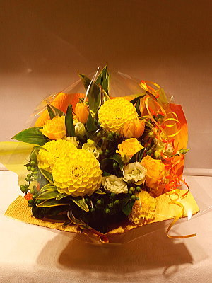 ar063 フラワーアレンジ 黄色系