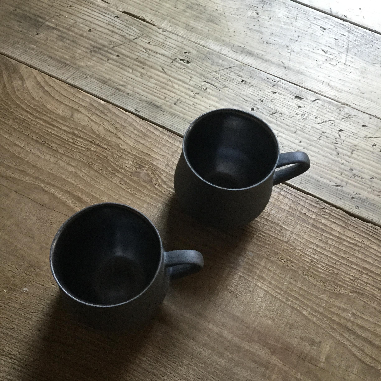 【内田祐太】 マグカップ 丸 黒錆 φ7.7㎝×h9㎝  - 画像2