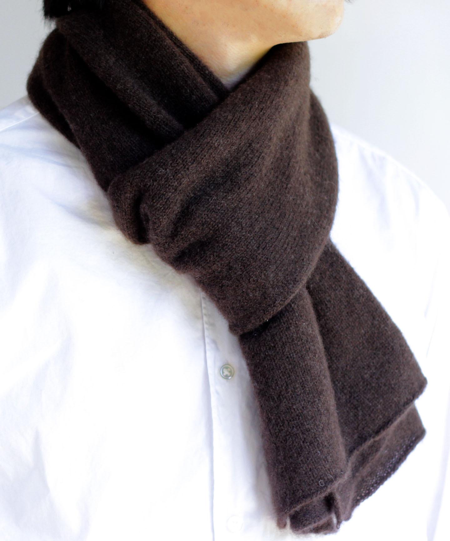 手編み機でヤクの糸を編んだ細巾ストール YAA-043