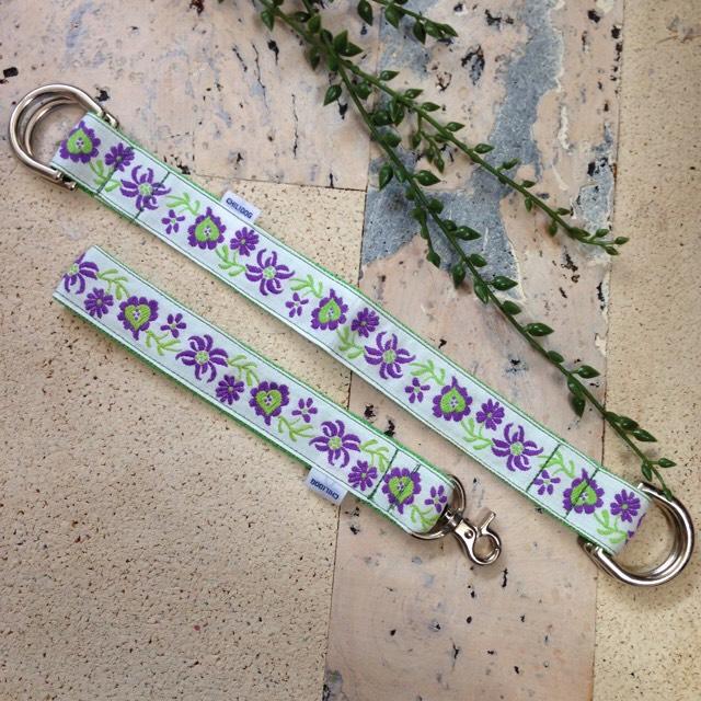 ショートリードと巾着ハンドル 紫の花とハート RS01