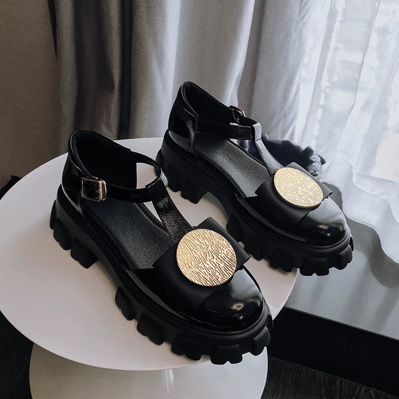 hole studs sandals