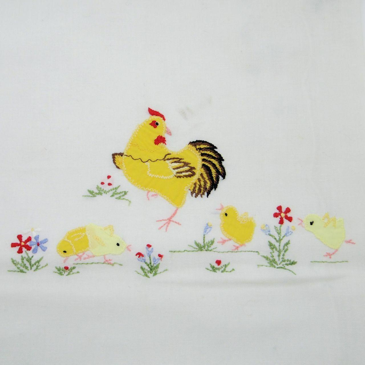 イースタークロス 鶏とヒヨコのパッチワーク刺繍