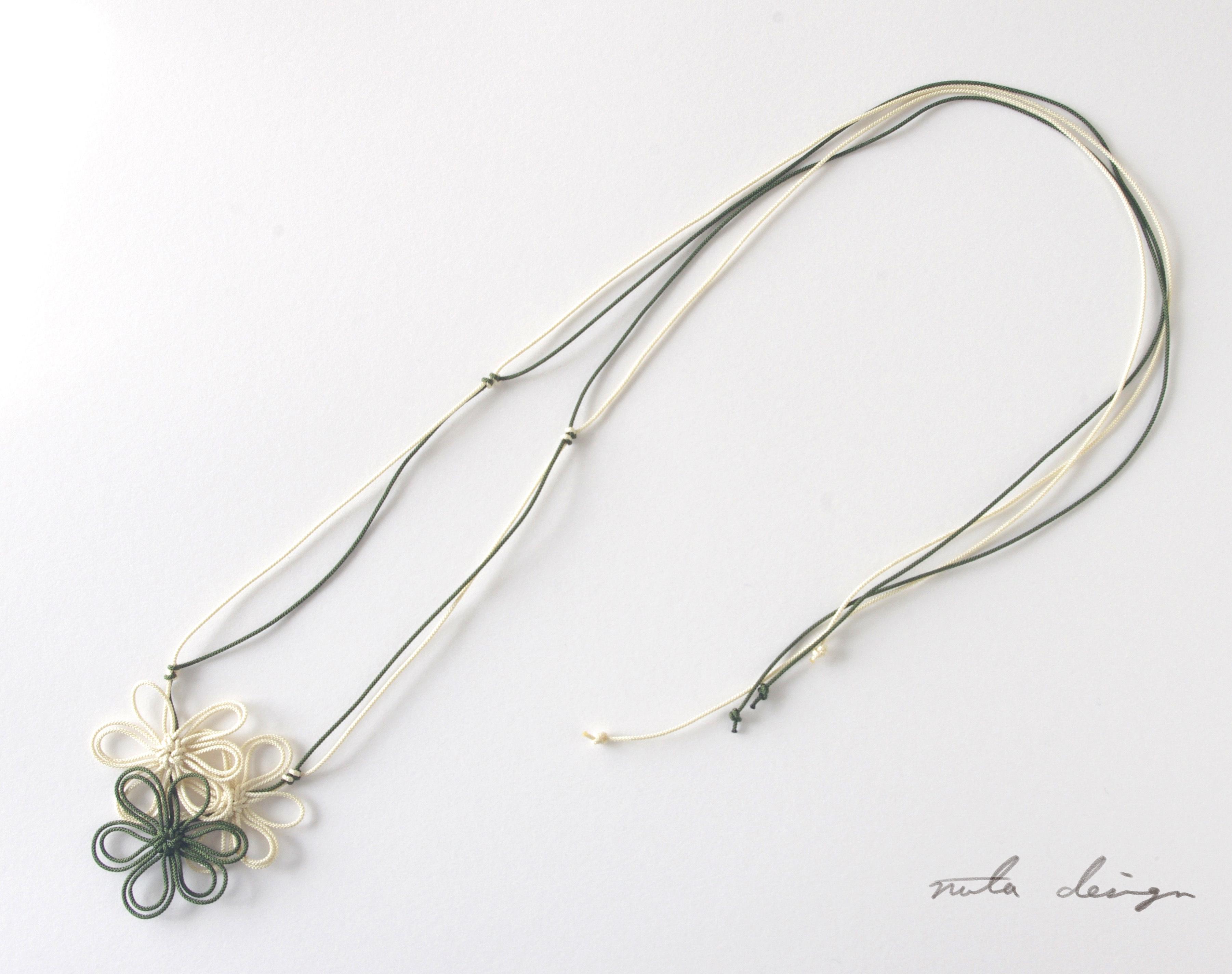 チョーカー「此処に咲くこと」(深緑×アイボリー)