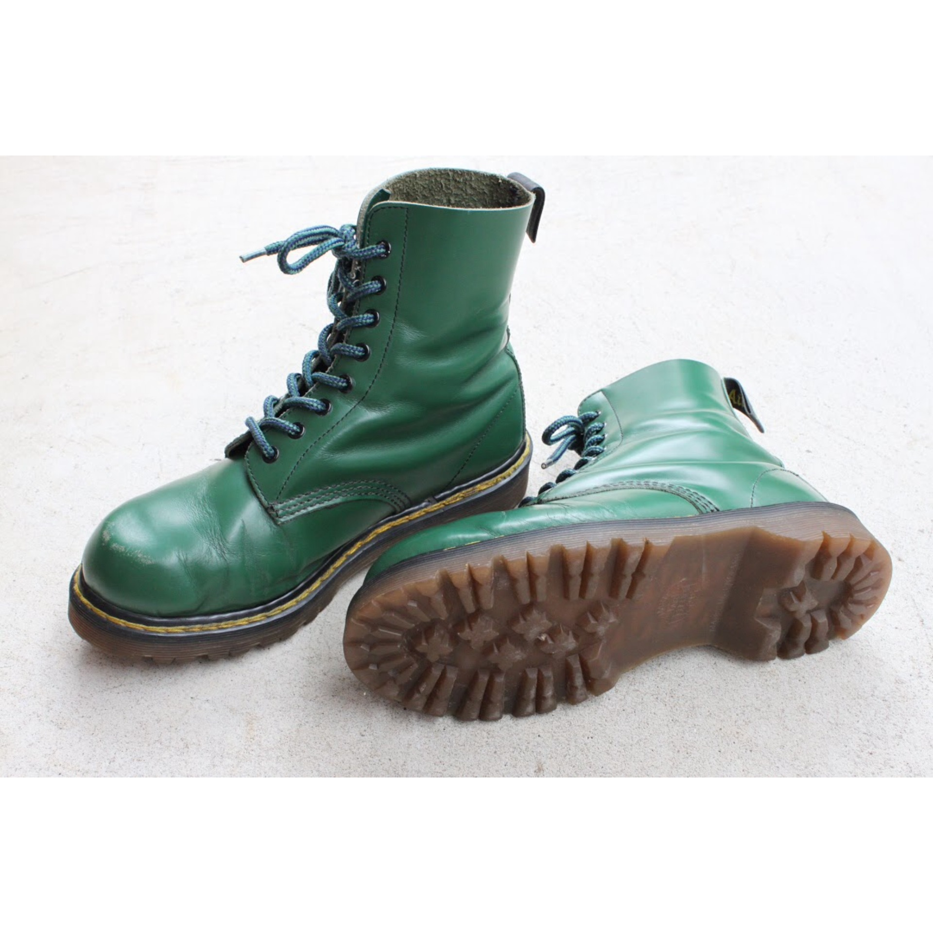Dr. Martins 8 hole Made in England Size 5