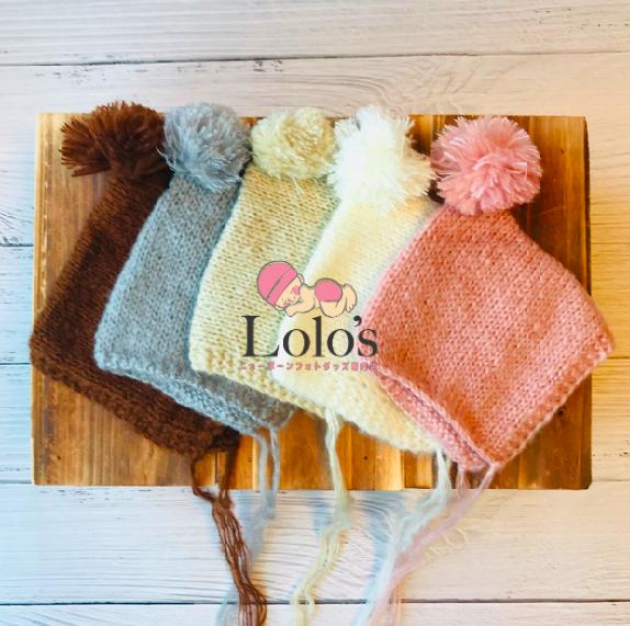 冬のポンポン帽子