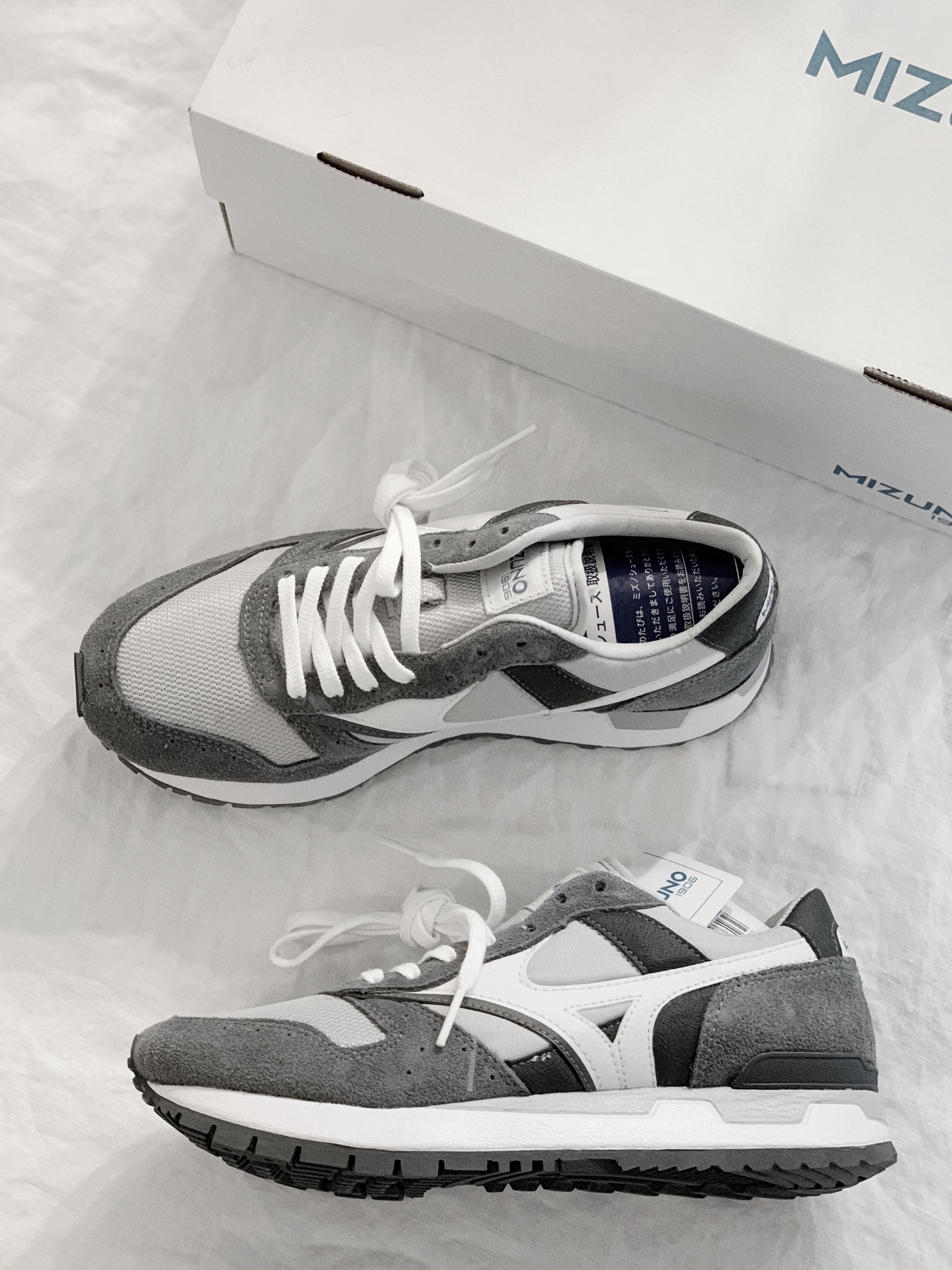 MIZUNO GV87 80s style dad sneaker  gry