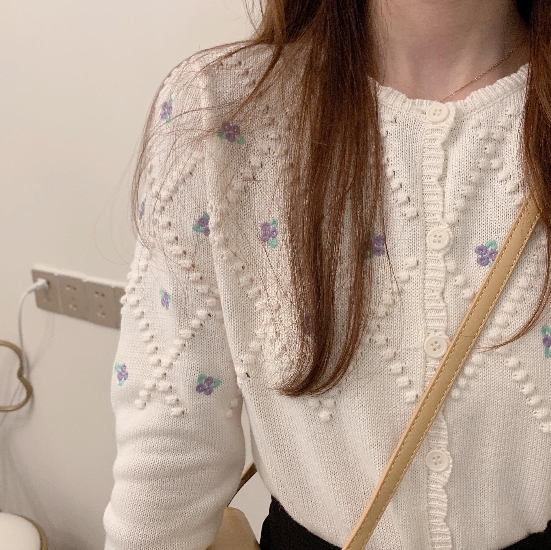 〈カフェシリーズ〉ブルーベリーの刺繍カーディガン【blueberry embroidery cardigan】