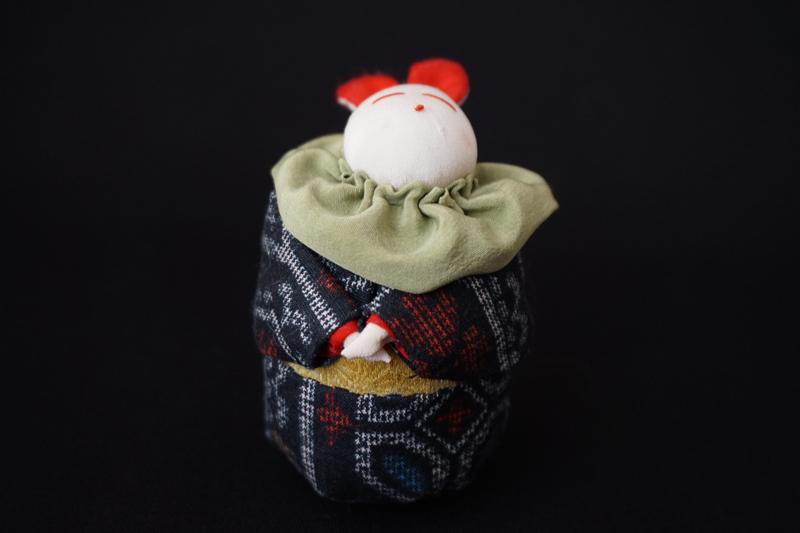 着物、和服の古布人形「着物を着たうさぎ」小 - 画像2
