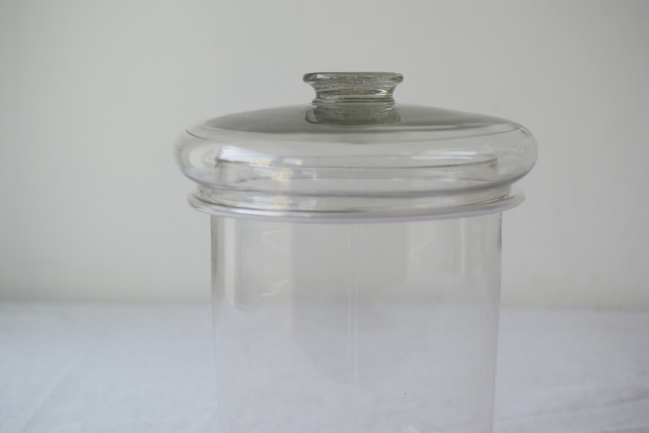吹きガラスの瓶