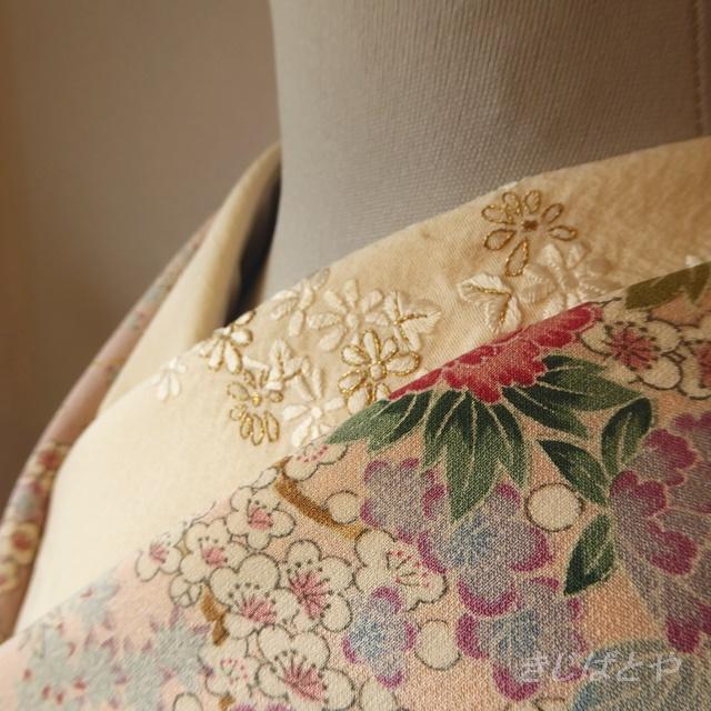 正絹 白地に小花の刺繍のはぎれ 半衿に