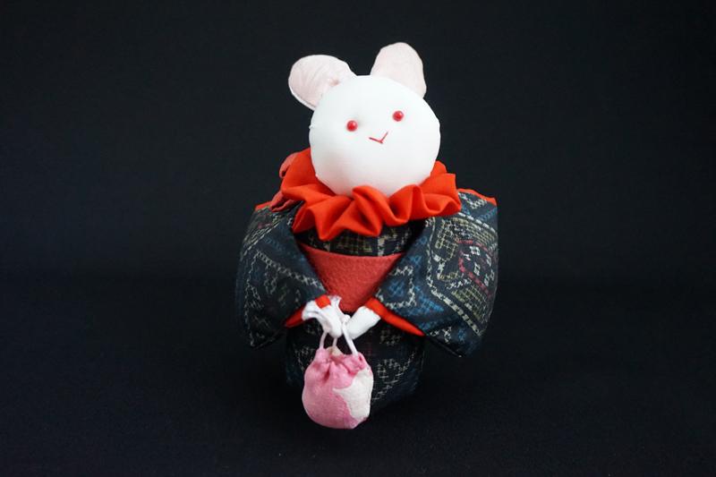 着物、和服の古布人形「着物を着たうさぎ」 - 画像2