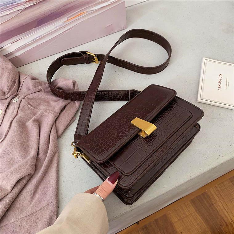 【送料無料】 大人可愛い 上品バッグ♡ クロコダイル調 スクエア型 ミニサイズ ショルダーバッグ PU ゴールドバックル