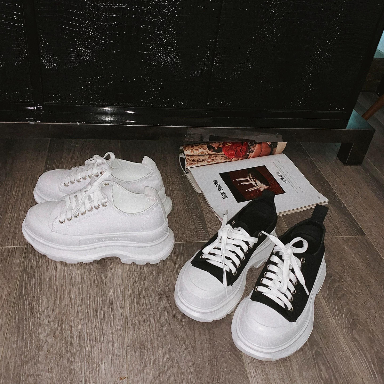 volume sole sneaker