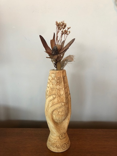 PENA solid wood sign HOLD VASE