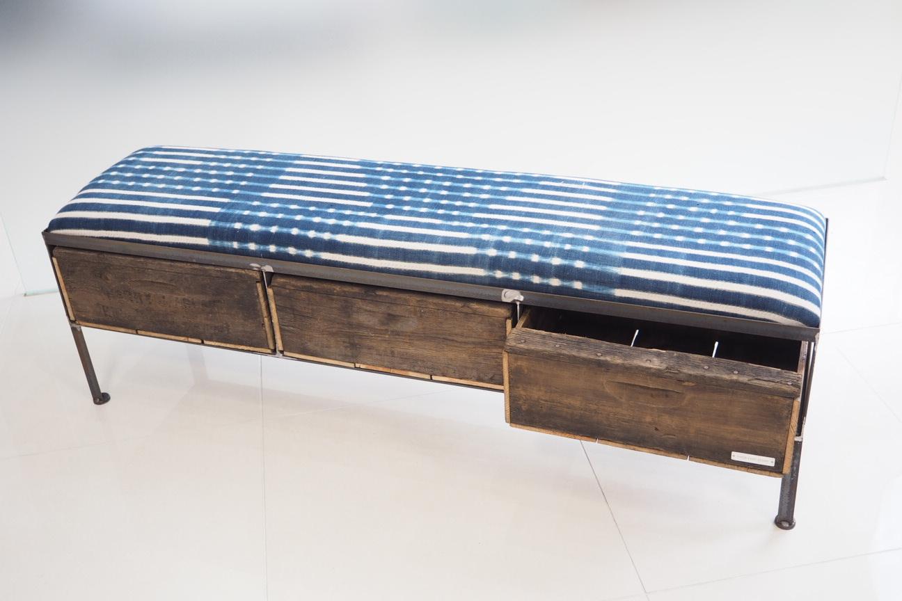 品番UAI3-119  3drawer ottoman[nerrow/African indigo batik tribal]