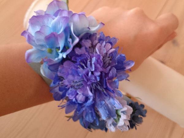 青いのお花のリストブーケ(リストレット)2 / 腕飾り