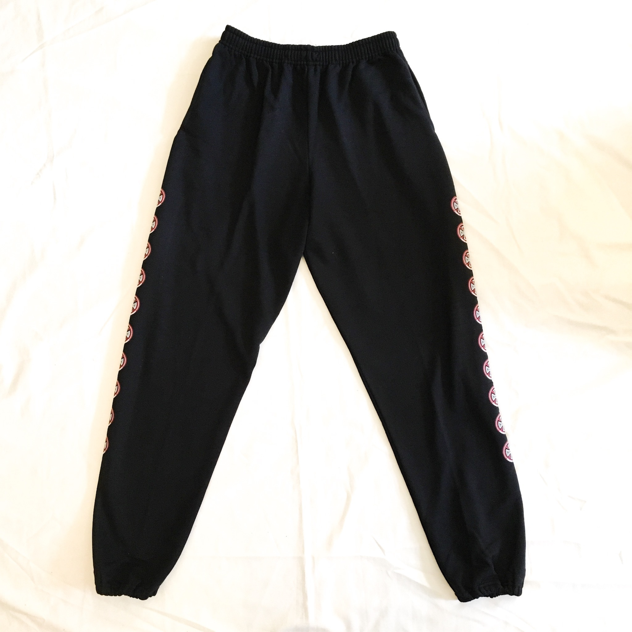 INDEPENDENT IRON CROSS SWEAT PANTS <New>