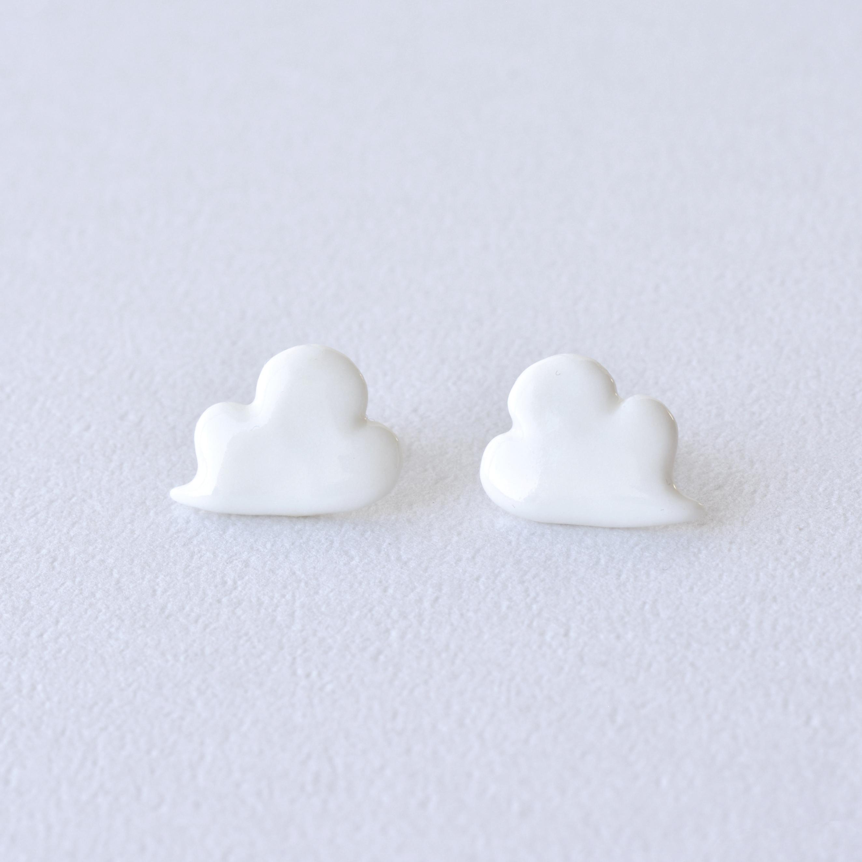 HatoKumo / 白磁の雲ピアス