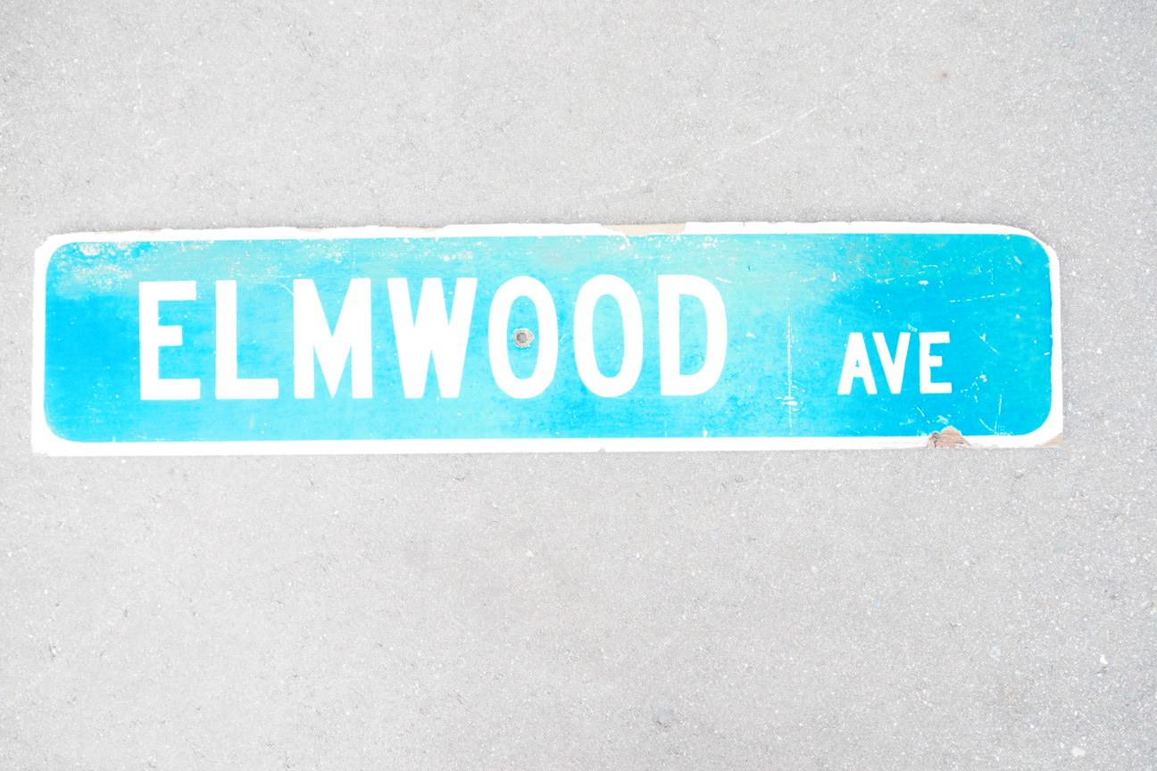 品番1236 ELMWOOD AVE 木の看板