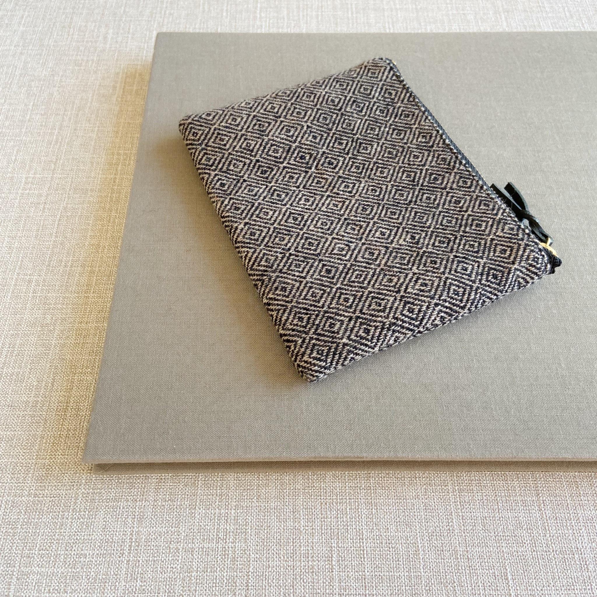 手織りミニポーチ(Accessory case bird's-eye cashmere)