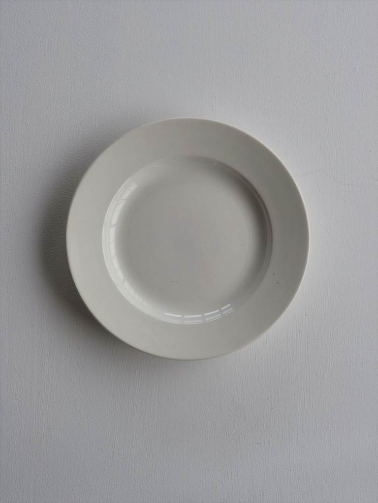 antique | 白皿 中 - white plate middle size