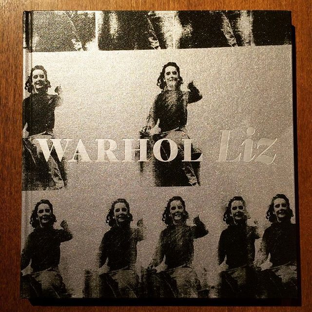 画集「Liz/Andy Warhol」 - 画像1