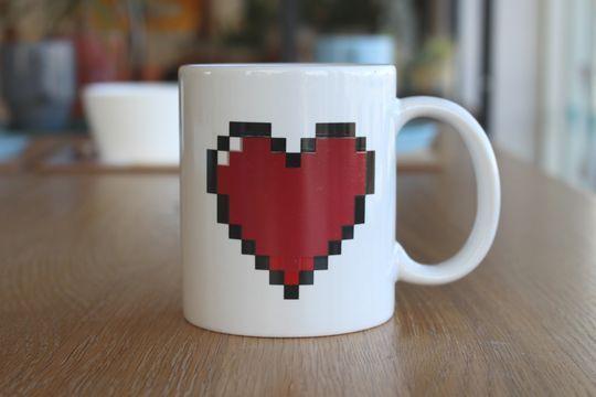 PIXEL HEART MORPH MUG【ラスト1】