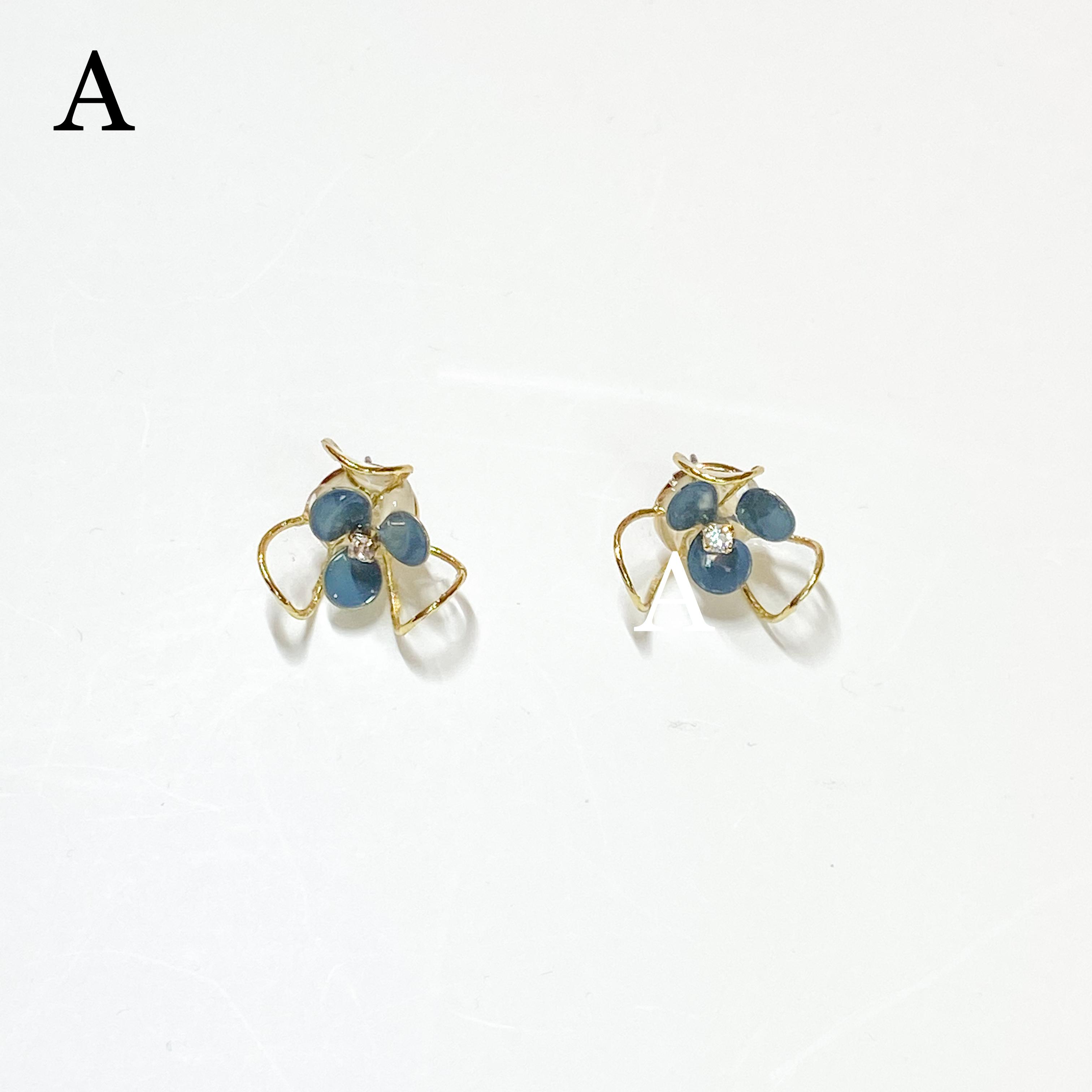 clear flower M/ブルー ピアス・イヤリング