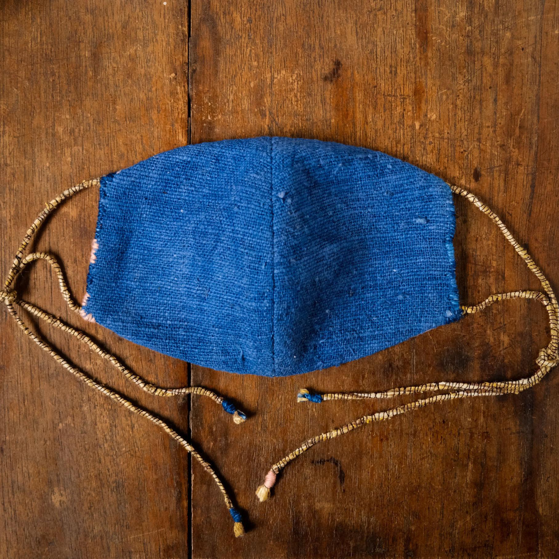 「あさつゆ」藍染手紡ぎ手織り綿と竹布の手縫いマスク レギュラーサイズ