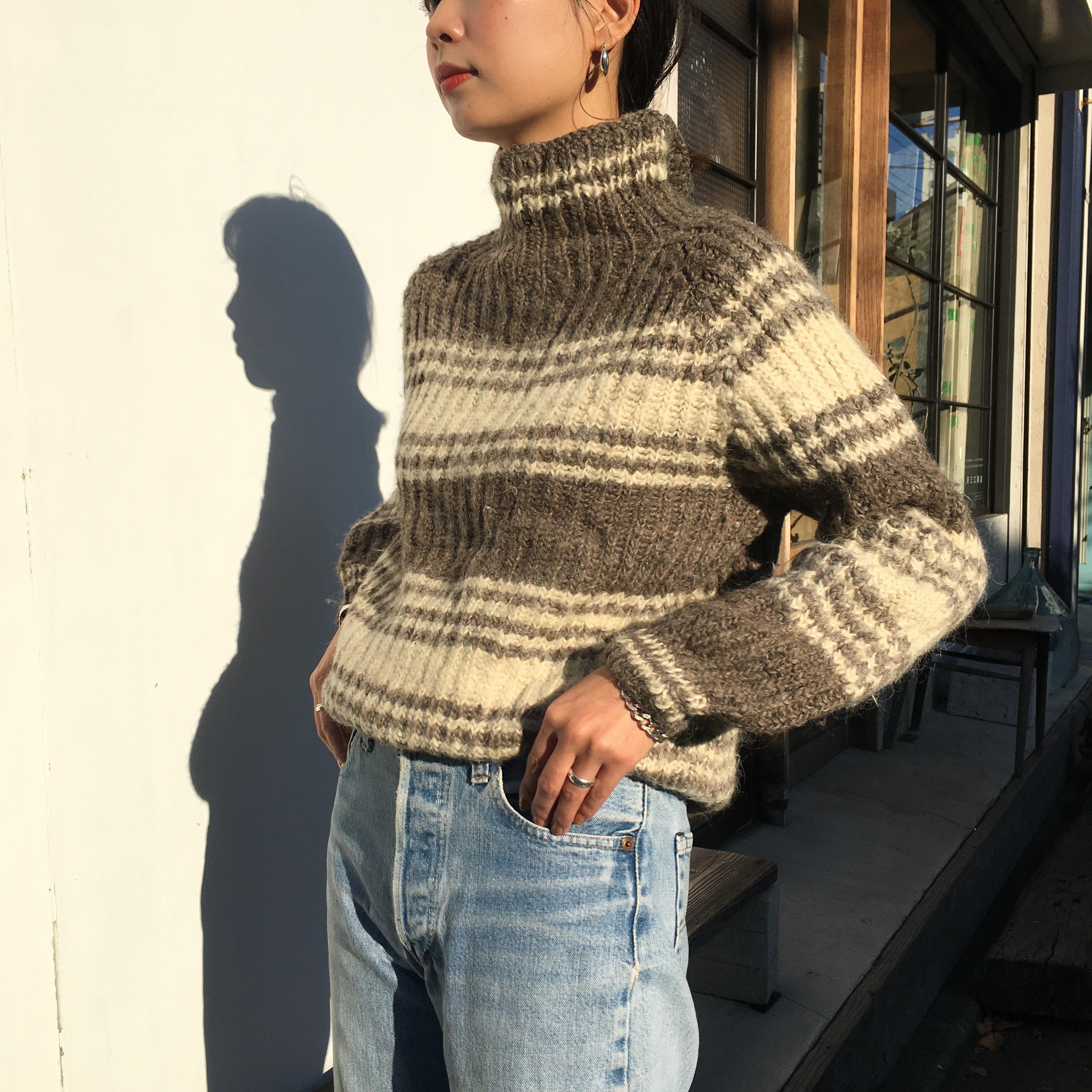 "USED "" mulch border turtle sweater """