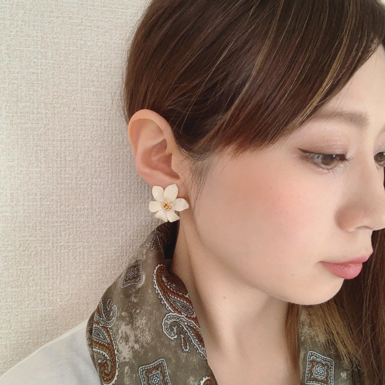 vintage flower earring