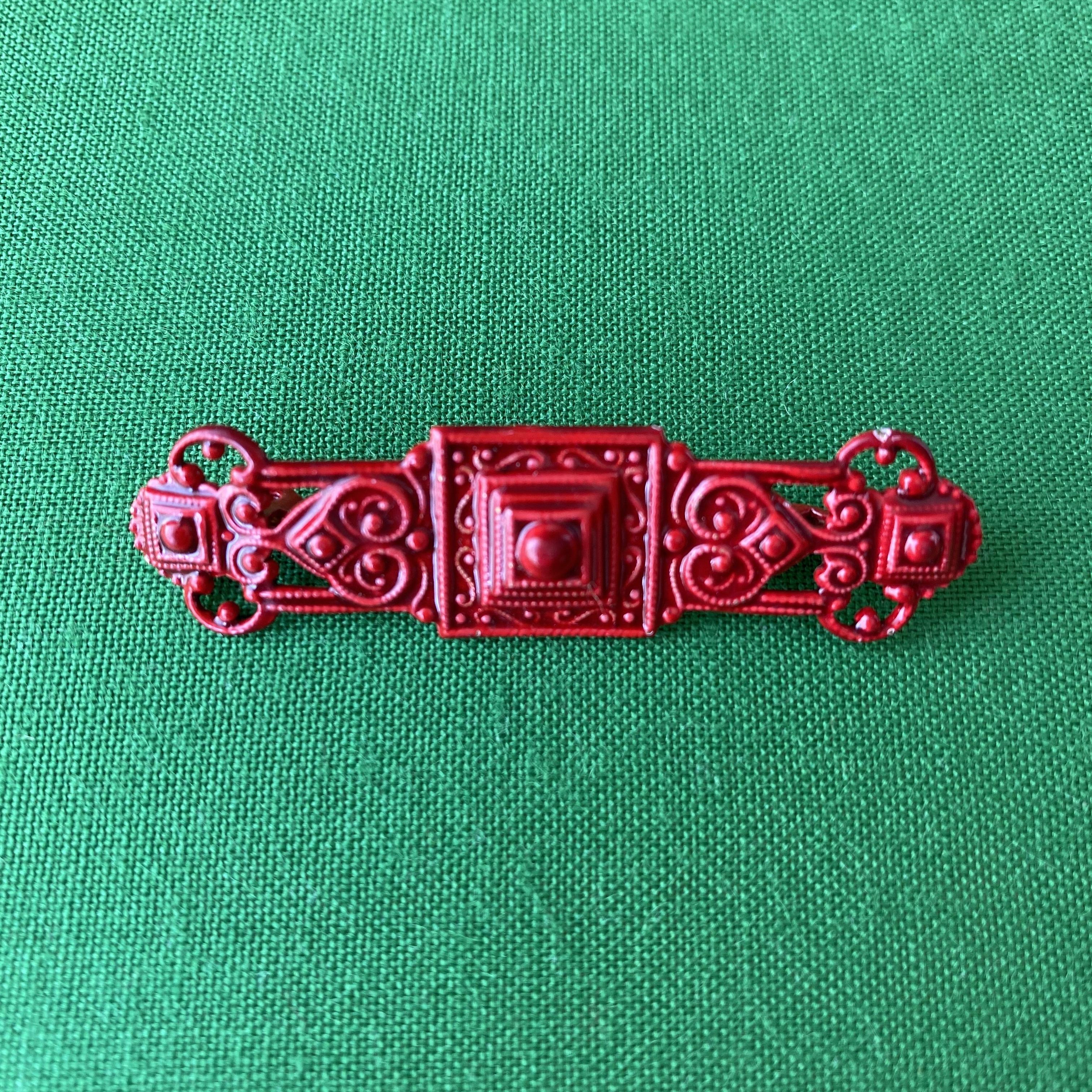 France エナメル・バーブローチ(red) /ac0044